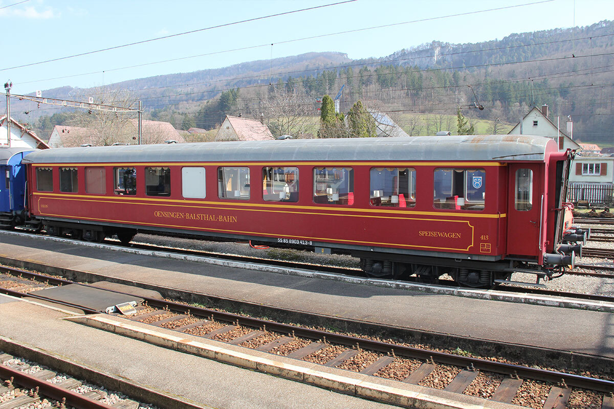 Salon_Speisewagen_As413_2017_OeBB.jpg